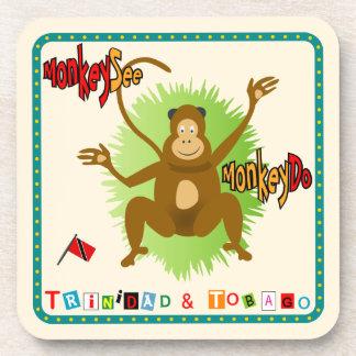 El mono de Trinidad and Tobago ve el mono hacer Posavasos De Bebidas