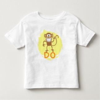 El mono hace tee shirt