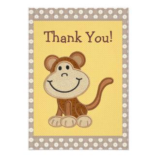 El mono lindo del bordado le agradece fiesta de bi anuncios