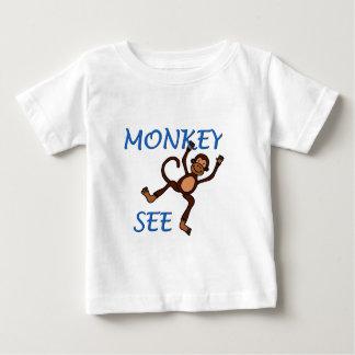 el mono ve 2 en camiseta azul