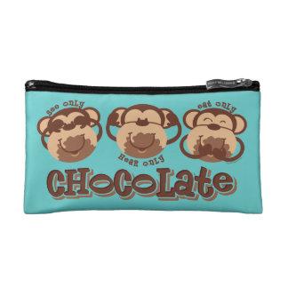 El mono ve el chocolate