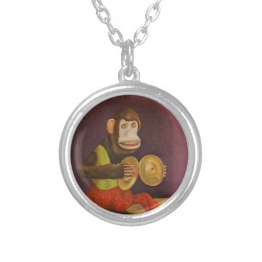 El mono ve el mono hacer joyeria personalizada