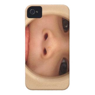 El mono ve la caja del teléfono Case-Mate iPhone 4 protectores