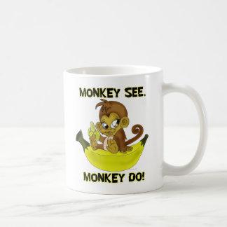 "El ""mono ve, mono"" asalta taza de café"