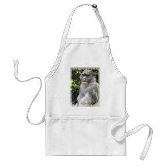 El mono ve, mono hace el delantal