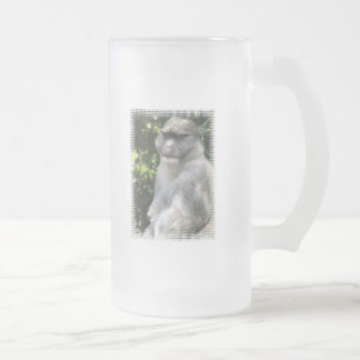 El mono ve, mono hace la taza de cerveza