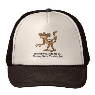 El mono ve, mono hace, mono consigue en problema,  gorros bordados