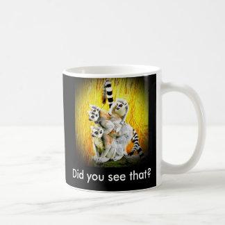 El mono ve, mono hace taza