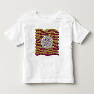 El monograma brilla las rayas rosadas amarillas de playera de bebé