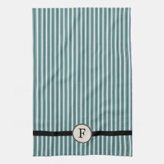 El monograma rayó la huésped la toalla de té azul