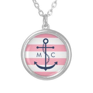 El monograma rosado azul blanco raya el ancla colgante redondo