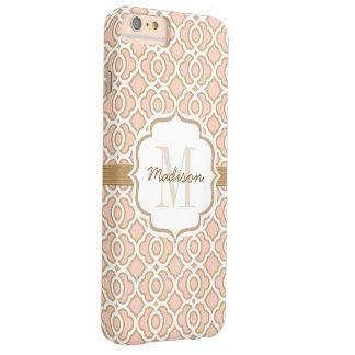 El monograma se ruboriza rosa y oro Quatrefoil Funda De iPhone 6 Plus Barely There