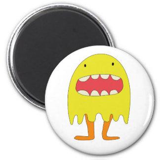 El monstruo amarillo ríe =) 2 inch round magnet