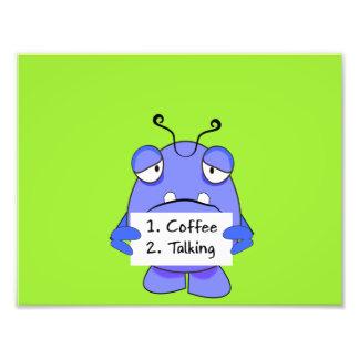 El monstruo azul con café de la mañana gobierna la fotografía