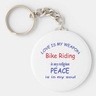 el montar a caballo de la bici es mi religión llavero redondo tipo chapa