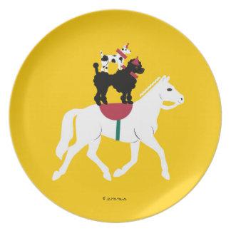El montar a caballo trasero de Cirque de Martzkins Platos De Comidas