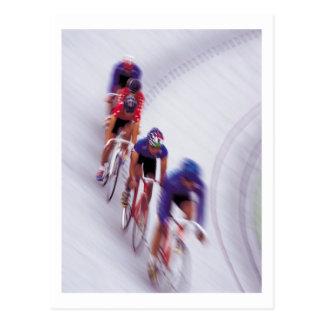 El montar en bicicleta del ciclo de la bicicleta postal