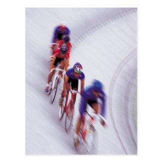 El montar en bicicleta del ciclo de la bicicleta tarjetas postales