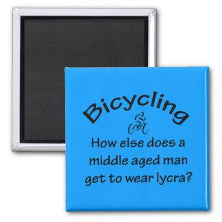 El montar en bicicleta imán cuadrado