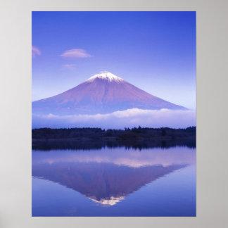 El monte Fuji con la nube lenticular, lago Motosu, Póster