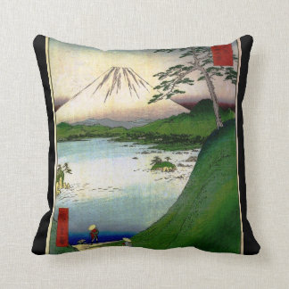 El monte Fuji en Japón circa 1800's Cojines