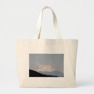 El monte Fuji hermoso en el día moderno Japón Bolsas De Mano