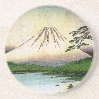 El monte Fuji hermoso en Japón, circa 1800s Posavasos Diseño