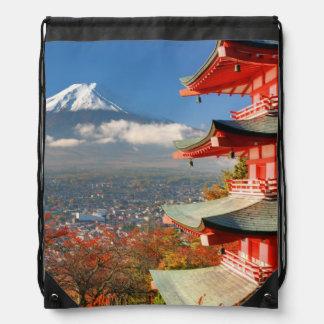 El monte Fuji vio de detrás la pagoda de Chureito Mochila