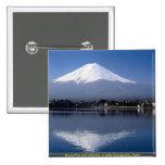 El monte Fuji y reflexión en el lago Kawaguchi, Ja Pins