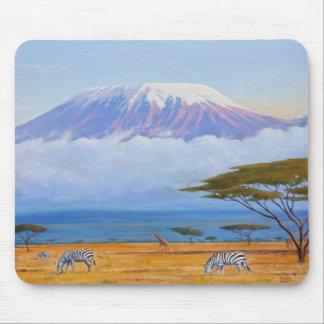 El monte Kilimanjaro Tapete De Ratón