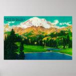 El Monte Rainier del lago Tipsoo en el paso de Chi Poster