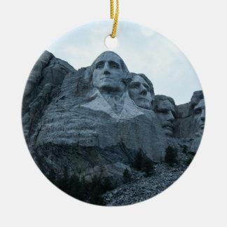 El monte Rushmore Adorno Navideño Redondo De Cerámica