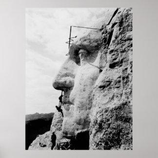 El monte Rushmore bajo construcción Posters