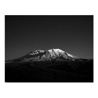 El Monte Saint Helens monocromático en postal del