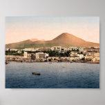 El monte Vesubio, con Torre de Creco, Nápoles, Ita Poster