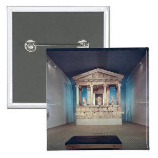 El monumento de Nereida, Xanthos, c.390-380 A.C. Pin Cuadrada 5 Cm