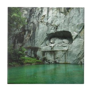 El monumento del león en Alfalfa Azulejo Cuadrado Pequeño