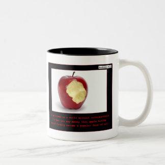 El morder de Apple Taza De Café De Dos Colores