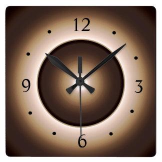 El moreno/Brown iluminó el reloj de pared ligero