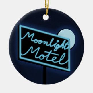 """El motel """"Monty"""" DBL del claro de luna echó a un Adorno Navideño Redondo De Cerámica"""