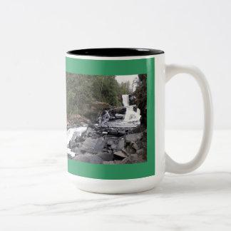 El Moxie baja taza