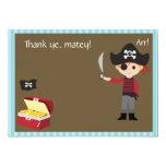 El muchacho adaptable del pirata le agradece comunicados personalizados