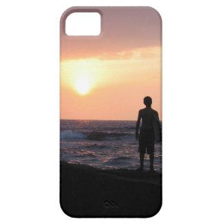El muchacho de la persona que practica surf funda para iPhone SE/5/5s