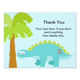 El muchacho del cumpleaños del dinosaurio le invitación 10,8 x 13,9 cm