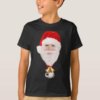 El muchacho divertido de Santa embroma la camiseta