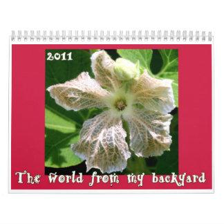El mundo de mi cubierta del calendario del patio