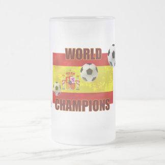 El mundo defiende el balón de fútbol de la bandera tazas