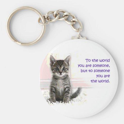 El mundo del gatito llavero redondo tipo pin