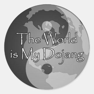El mundo es mi Dojang Pegatinas Redondas