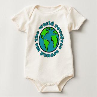 El mundo gira alrededor de mí mameluco de bebé